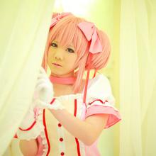 Mana Tanaka - Picture 1