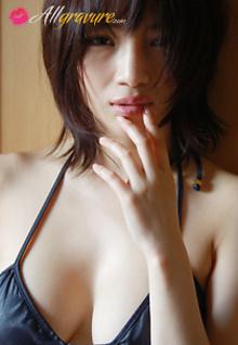 Nude Kiss 1
