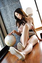 Julia - Picture 9