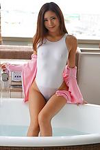 Madoka Hitomi - Picture 23